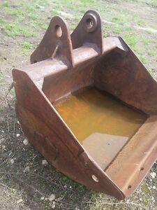 Hensly Clean Up Bucket 3/4 Yard
