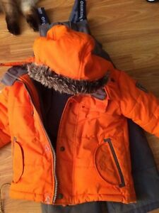 Boys size 3 Osh Kosh snowsuit