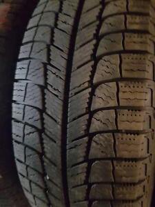 2 pneus d'hiver 205/65/16 Michelin X-Ice