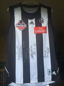 COLLINGWOOD 2010 SIGNED JERSEY! MAXWELL, MALTHOUSE, PENDLEBURY! Melbourne CBD Melbourne City Preview