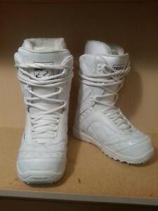 womens snowboard boots size 6