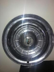 3 x 1955 Crystler,New yorker hubcaps for sale