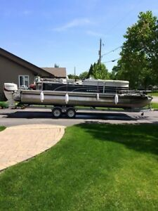 2014 Legend TRI-Toon with 150 etec 26 foot