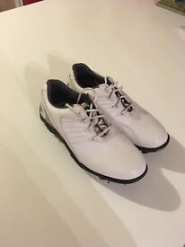 Golf shoes size 4