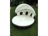 Rattan cream & brown day bed BRAND NEW