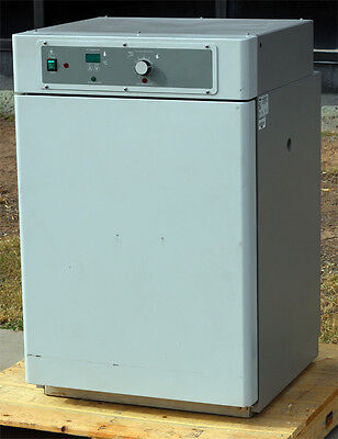Vwr Scientific Products Sheldon 3015 Incubator Medical Curing Oven