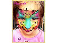 Fun- tastic Face Painting - Balloon Modelling - Glitter Tattoo - Pro - Face Painter Balloon Modeller