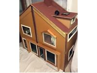 Dolls house with 3 storeys and 6 rooms