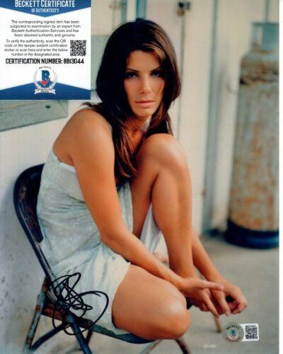 SANDRA BULLOCK signed 8x10 photo Beckett BAS