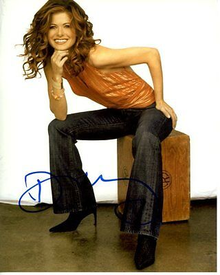 Debra Messing Signed Autographed Will   Grace Adler Photo