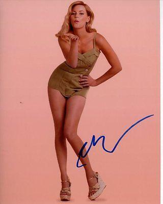 Elizabeth Banks Signed Autographed Photo