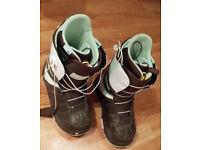 Women's snowboard boots Burton Mint size UK6 / EU40