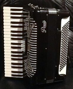 RIVOLI Piano Accordian