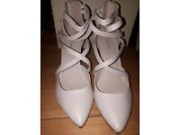 Cream Shoes - size 5