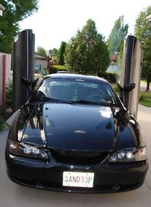 1994 Ford Mustang V6 Coupe (2 door) ** needs to go asap **