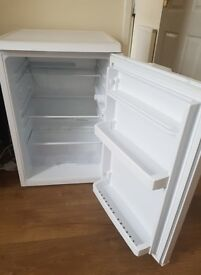 Small , clean Fridge, fully functional