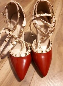 Size 8 heels - red