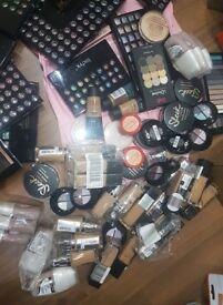 Morphe, Chanel, Mac, Loreal, Sleek, Keylie, Dermacol, Maybelline Foundation, Eyeshadow Wholesale Lot
