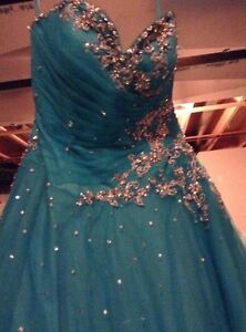Beautiful Ball Gown Prom Dress! Cornwall Ontario image 2