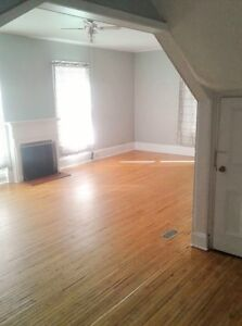 Spacious 2 level, 1 bedroom apartment in Belleville