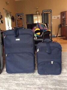 Dionite suitcase set