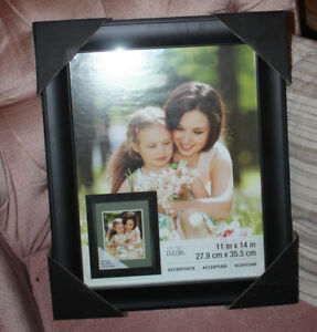 "11"" X 14"" picture frame new includes mat"