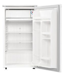 Danby Compact Refrigerator with freezer