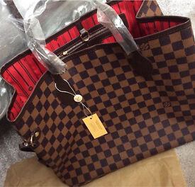 Louis Vuitton style bag with coin purse