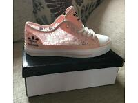 Ladies Trainers (Wholesale Only)