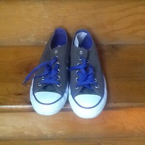 SNEAKERS $40.00 FIRM - Located In Sydney Mines, Nova Scotia