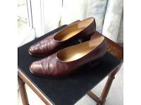Kurt Geiger brown leather heeled court shoes