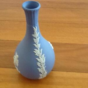 Wedgewood Blue Jasperware Vase Taren Point Sutherland Area Preview