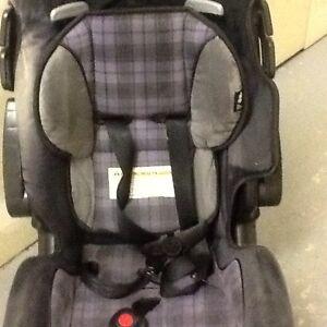 Baby/Toddler car seat (Alpha Omega 2020)&jogging stroller(Graco)