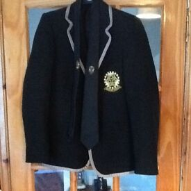 Girls 6th year prefect inverkeithing high school blazer size 11 chest 33 and comes with with tie