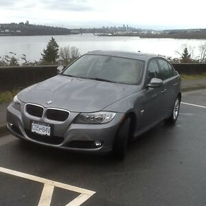 2011 BMW 3-Series Sedan  328 all wheel drive 6 speed stick shift