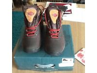 For sale, Northwest Territory walking/hiking boots