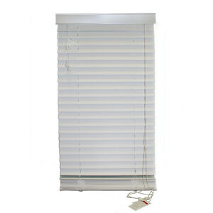 6 stores horizontaux faux bois blanc 6 white faux wood blinds