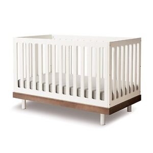 Ouef Classic Crib w/ Todder Bed and Change Table in White/Walnut