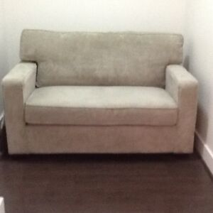 Brand new Love seat Sofa Bed with single pull out mattress