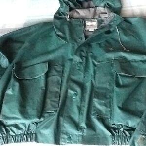 Columbia fly fisherman's rainproof jacket men's XL.