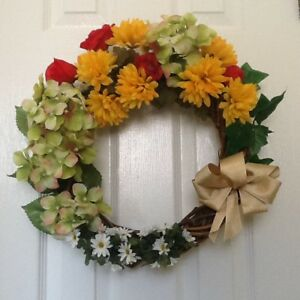 14 inch GRAPEVINE WREATH DECORATED with SILK FLOWERS