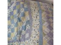 Patchwork quilt with two pillow shams