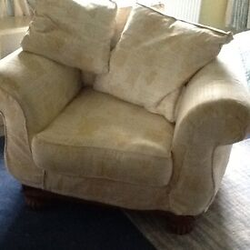 Large comfort chair with loose covers. In excellent condition, very little use. In new condition.