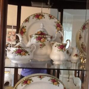 Old Country Rose teapot, cream and sugar set
