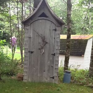 Great pool change room or garden shed......or outhouse.