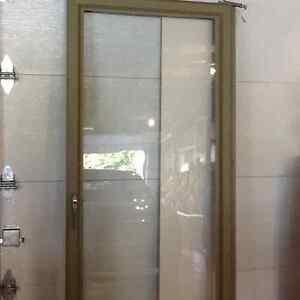 Porte ext rieur fen tre porte et moulure dans qu bec for Moulure porte exterieur