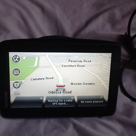 Excellent condition Tomtom with accesssories