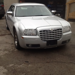 2005 CHRYSLER 300 WiTH SAFETY $1500 OR TRADE EVEN