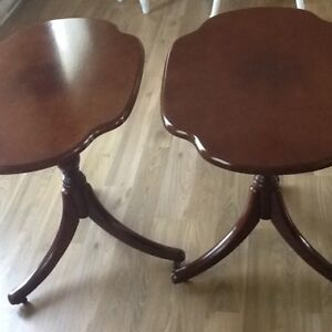 Set of 2 end tables or Night Stands !