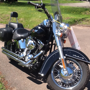 2006 Harley Soft Tail Deluxe Low Milage